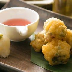 ゆばとチーズ入鶏ささみの紫蘇巻き梅天