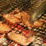 リーブナブルにお肉を楽しめるコースや、おつまみ満載のコースも