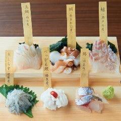 白い海鮮丼 ~今日のネタなんですか?~
