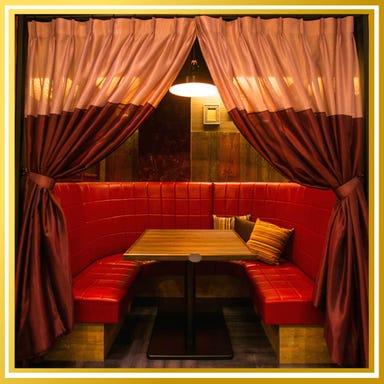 ゆったりソファ&個室 ロジック 梅田店 店内の画像