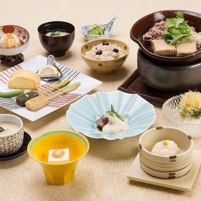 【風待草 -かぜまちぐさ-】「牛すき煮」が楽しめるお手軽膳〈全12品〉3,400円(税込)