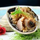 産地直送、市場直送の魚貝料理は多彩な調理法より選択可能です
