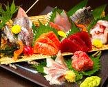 沼津港直送の朝採れ鮮魚を使用した身が締まった刺身♪