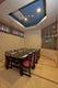 いけすを眺める人気のガラス張りの個室。テーブルと座卓選べます