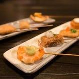 和食の技術を生かした串揚げや一品料理