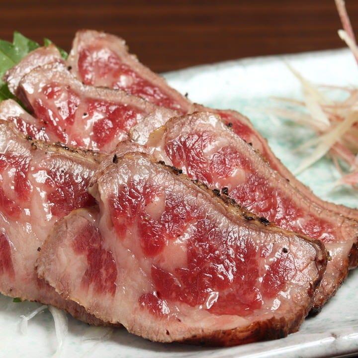 牛肉のたたき風ローストビーフは創業者がこよなく愛した逸品です