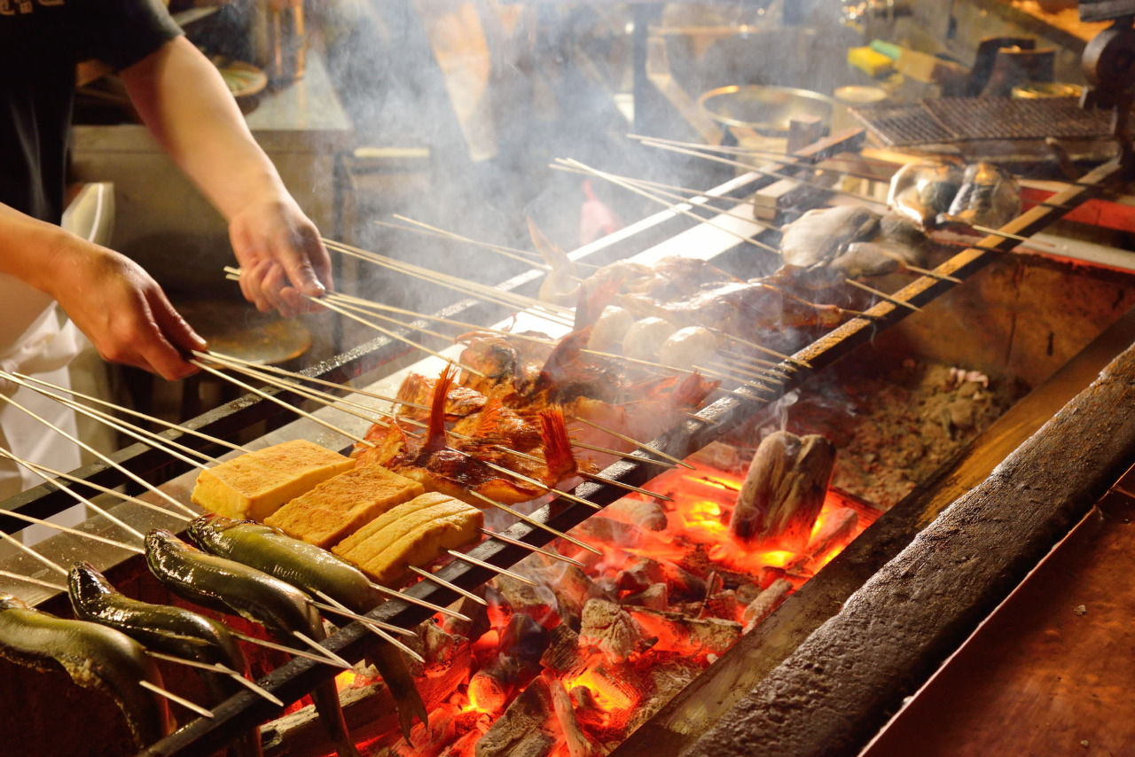 炭火で焼いたお魚とお肉を堪能するコース