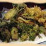 季節の天ぷら(山菜・牡蠣フライなど)