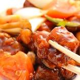 ◆秘伝の黒酢酢豚は大人気!コクの有る酸味は食欲をそそります♪
