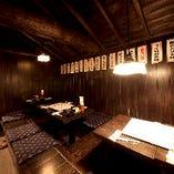 12名様からご利用可能な個室や、最大35名様利用可能な宴会場をご用意