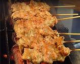 名物!肉汁したたるネックは備長炭で丁寧に焼いてます。