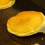 一枚、一枚、丁寧に焼き上げるパンケーキ!