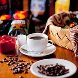【特撰コーヒー】こだわりの現地ハワイ、ムウムウコーヒーをご用意。ハワイから生豆で空輸し国内で焙煎している新鮮な100%ハワイ・コナコーヒーをお楽しみいただけます。お土産にも◎
