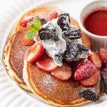 苺&オレオクリーム・パンケーキ