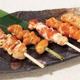 おまかせ串焼き盛合せ (塩・タレ)
