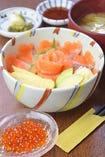 初春~初夏(3月~7月)  ◆伊達の銀ざけ親子丼定食(汁物・香の物)