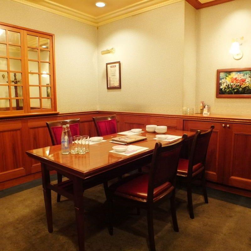 テーブル席・完全個室(壁・扉あり)・3名様~6名様