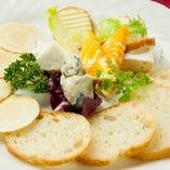 特製チーズの盛り合わせ