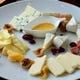 珍しいチーズの盛り合わせは大人気!