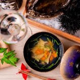 新鮮な魚介を使った青森郷土料理や創作和食をお楽しみください