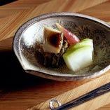 四季の食材を正統派和食に仕立てた昼の特別懐石コース「夢」7000円