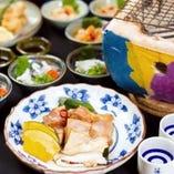 ふぐ料理といえば、鍋のてっちり、刺身のてっさをイメージする方も多いと思いますが、「焼きふぐ」も通に人気