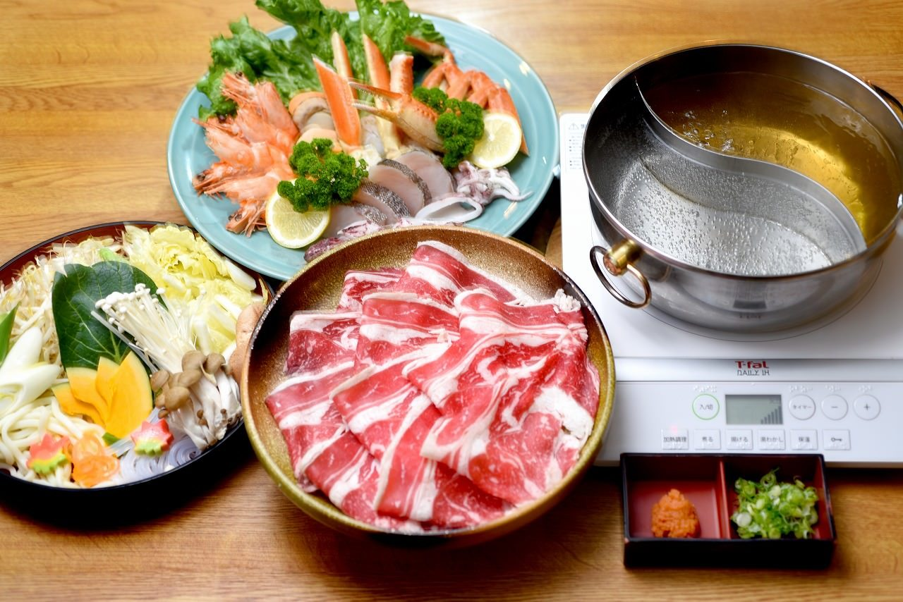 海鮮付き焼肉食べ飲み放題4,650円(税込)2時間→3時間に拡大!