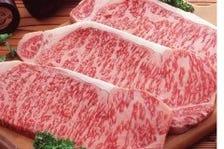黒毛和牛を主とする肉料理の数々!