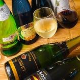 ワインもグラスでカジュアルにお楽しみいただけます!