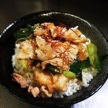 スタミナポーク丼(サラダ・スープ付)
