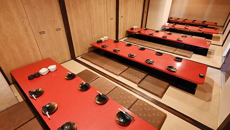 テーブル席・完全個室(壁・扉あり)・30名様~80名様