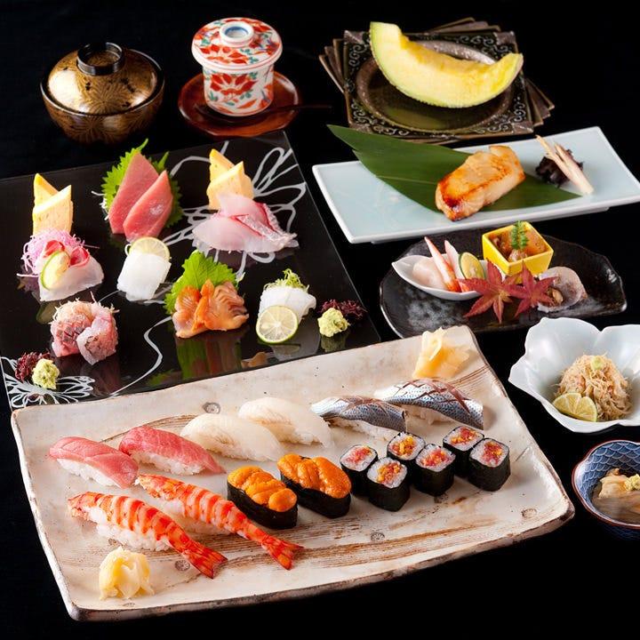 厳選した旬魚や旬菜の寿司コースを8,000円(税抜)からご用意