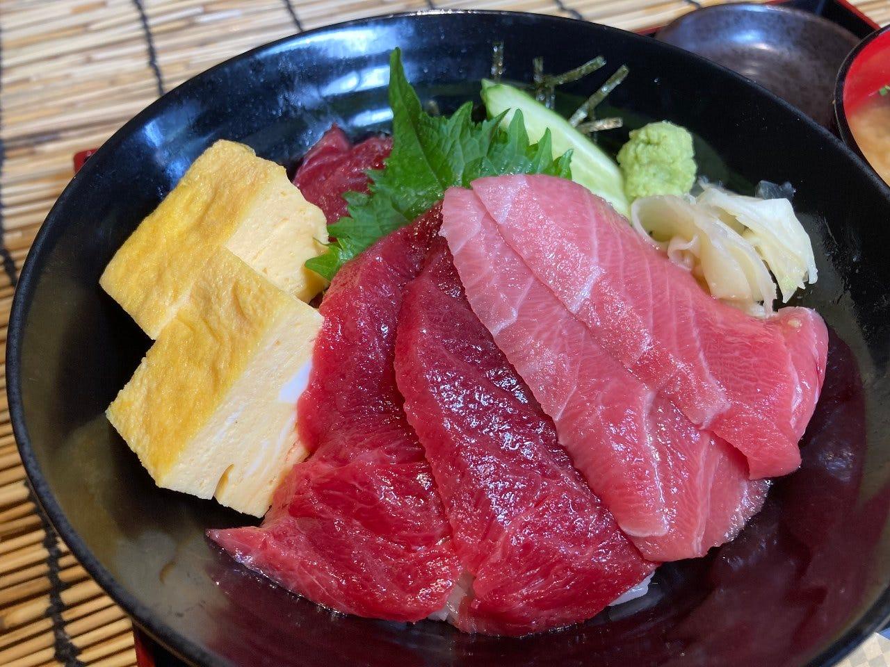 海鮮丼と日本酒の暁