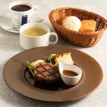 牛フィレ肉のグリエ 自家製オニオンガーリックソース