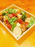 鹿児島黒牛の炭焼と春野菜のちらし寿司