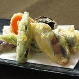 鯵の梅紫蘇揚げと季節野菜の天婦羅