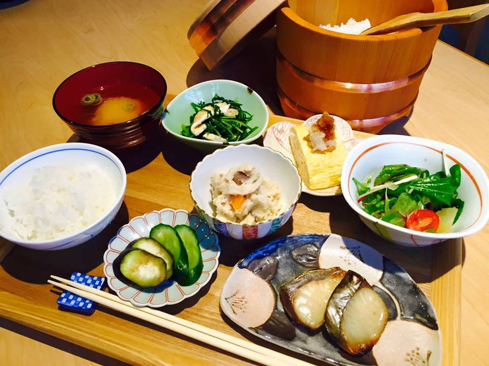 京の朝ごはん(土鍋ご飯の和定食)