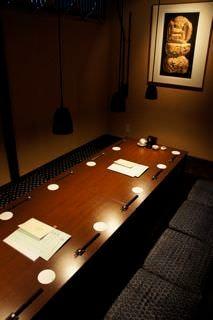 個室は最大で12名様ご案内可能です。