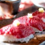 肉寿司始めました。馬肉とダチョウのいずれかからお選び下さい。