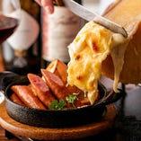 スイスの伝統料理『ラクレットチーズ』