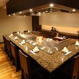 ご接待やご会食に最適なカウンター個室は5~9名様までご利用可能