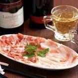 パルマ産ホエー豚の生ハムとパンチェッタ【イタリア】