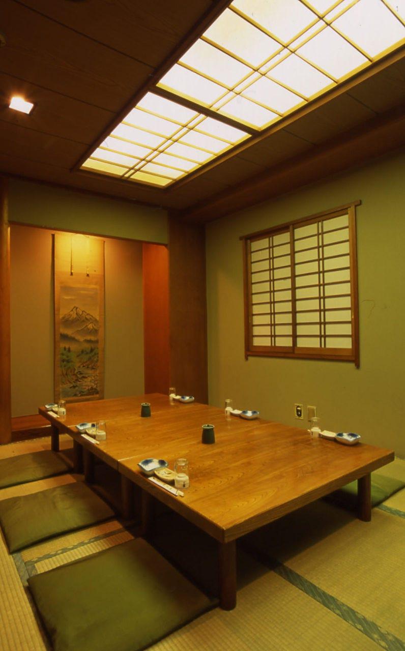 個室は大小7室。1フロア60名様迄貸切可能でございます。