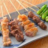 串焼き盛合わせ(鶏4串+野菜1串)