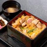 事前予約「神橋食彩三昧」以外にも充実の定番料理