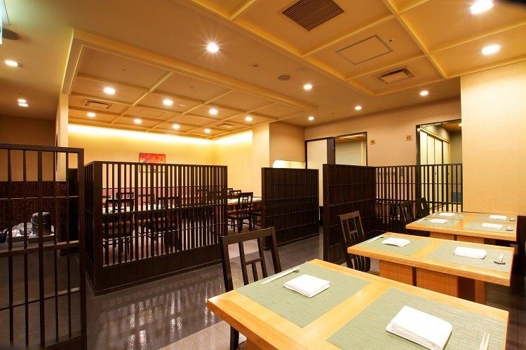 ホテル・アゴーラ大阪守口 日本料理 こよみ