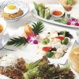 一番人気!リーズナブル&ボリューミー ズワイ蟹レタス炒飯やカニ入フカヒレスープ 3,500円