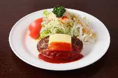 手作りハンバーグ(200g)とサラダ