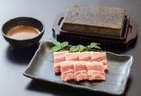 六白黒豚の桜島溶岩焼
