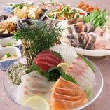 【新鮮魚介】 全国の各漁場から厳選された魚を店内で捌きます。